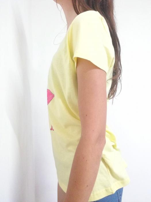 Tricou galben pal pictat manual cu flamingo [1]