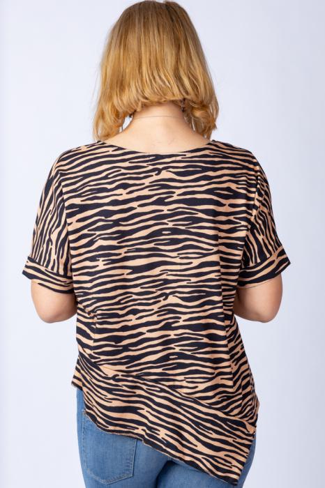 Tricou in colturi, cu imprimeu animal print - tigru, din bumbac [1]