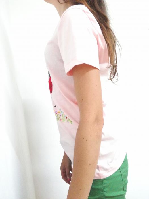 Tricou roz pal pictat manual cu buburuze [1]