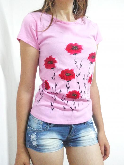 Tricou roz pictat manual cu maci [0]