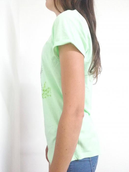 Tricou verde fistic pictat manual cu catelus [1]