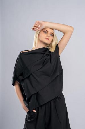Bluza neagra asimetrica, extravaganta [1]