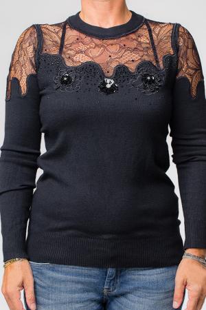 Bluza neagra eleganta cu insertii de dantela si flori pe piept0