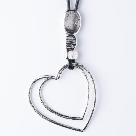 Colier argintiu cu pandantiv  pietre si doua inimi0