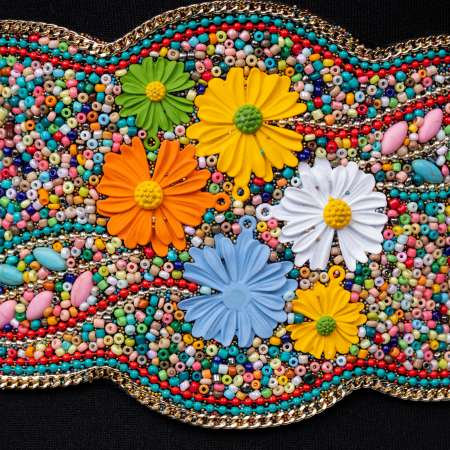 Curea lata margelute si flori multicolore [1]