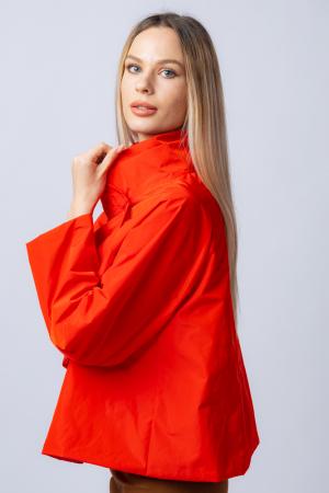 Jacheta scurta din tafta rosie petrecuta in fata [1]