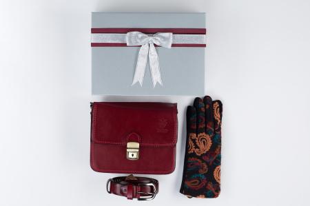 Pachet cadou geanta si curea din piele naturala, manusi -10