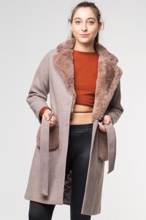 Palton bej din stofa cu buzunare din blana artificiala [0]