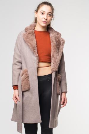 Palton bej din stofa cu buzunare din blana artificiala [1]