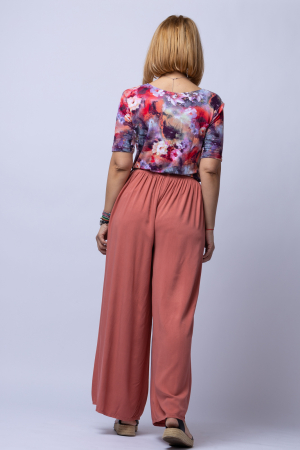Pantaloni roz inchis casual, largi din vascoza, cu o curea fancy [1]