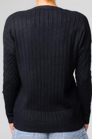 Pulover negru cu maneci stantate1