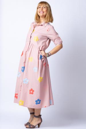Rochie camasa roz prafuit cu flori multicolore, din tesatura fina de bumbac [1]