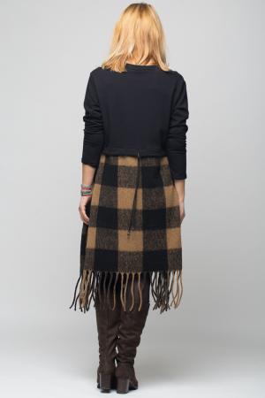 Rochie bej-negru din lana ecozez cu franjuri si paiete [2]