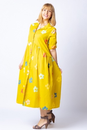 Rochie camasa galbena cu flori multicolore, din tesatura fina de bumbac [1]