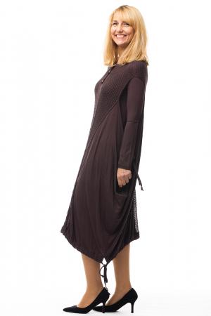 Rochie maro casual cu insertii de dantela tricotata pe fata si pe spate [1]