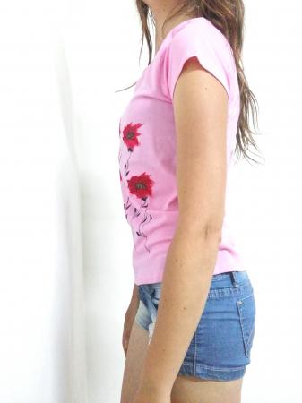 Tricou roz pictat manual cu maci [1]