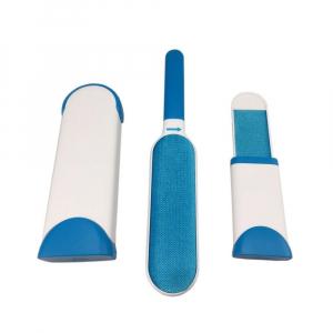 Perie cu doua dispozitive pentru curatare par animale de companie [2]