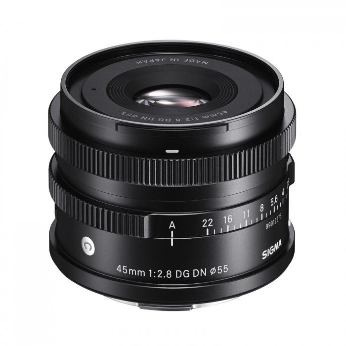 45mm F2.8 DN (C) 1
