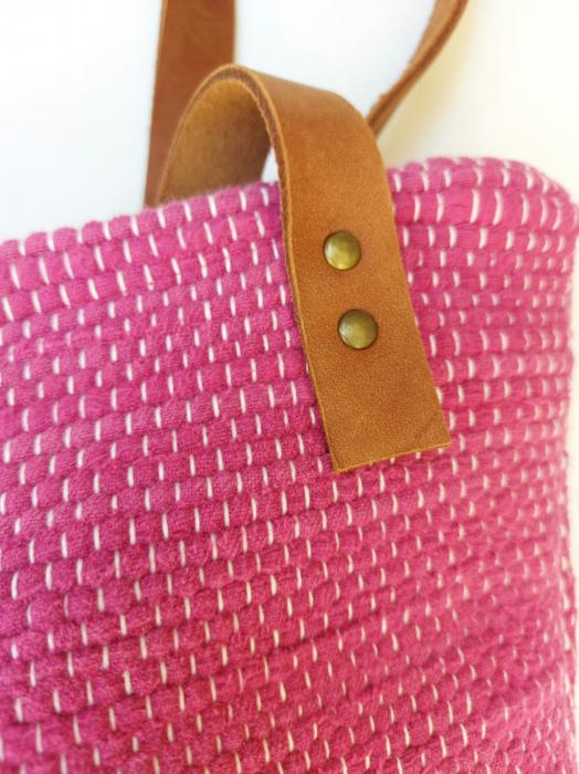 Geanta handmade model roz [1]