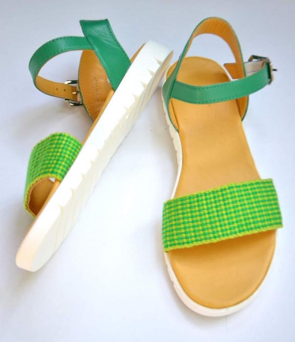 Sandale țesute manual [2]