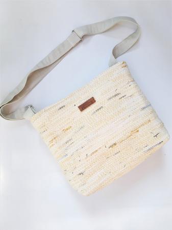 geanta-handmade-tesuta-model-umar-crem [1]