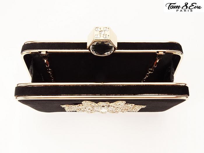 Geanta clutch negru cu brosa superba Beauty 2