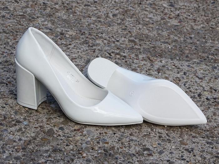 Pantofi eleganti albi de lac cu toc gros Iris 1