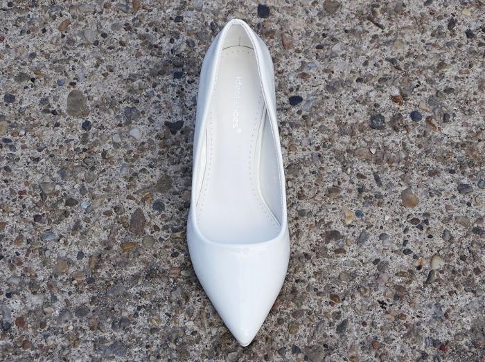 Pantofi eleganti albi de lac cu toc gros Iris 6