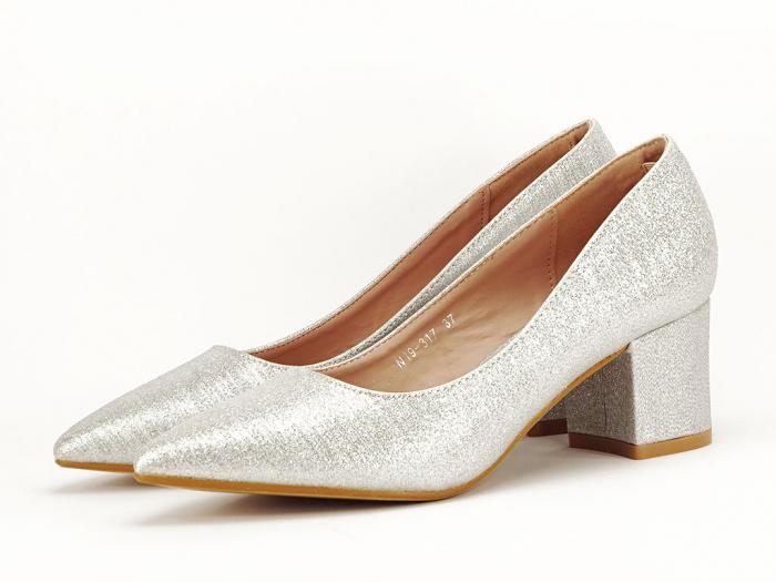 Pantofi de dama argintii cu toc comod Aura 1