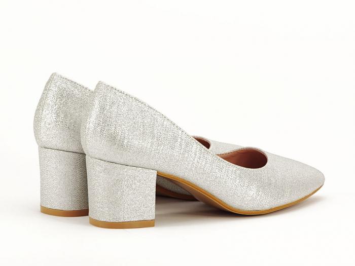Pantofi de dama argintii cu toc comod Aura 4