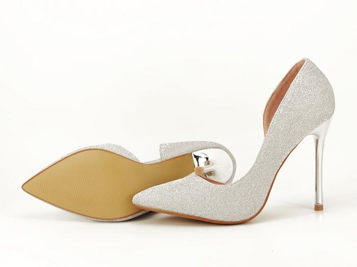Pantofi argintii eleganti decupati lateral Dream 6