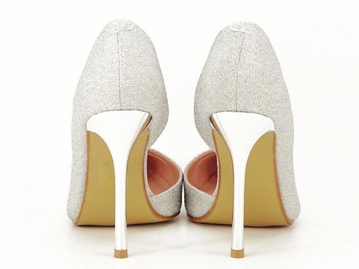 Pantofi argintii eleganti decupati lateral Dream 3