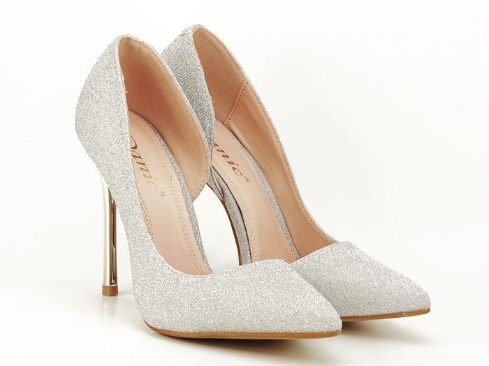 Pantofi argintii eleganti decupati lateral Dream 5