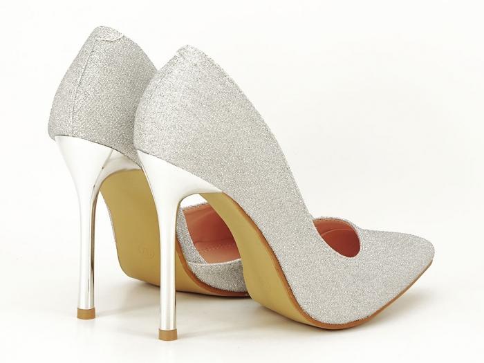Pantofi argintii eleganti decupati lateral Dream 2
