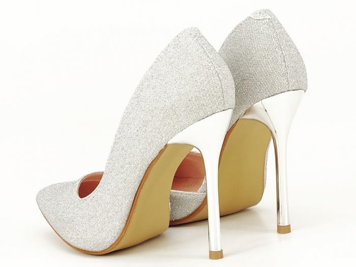 Pantofi argintii eleganti decupati lateral Dream 7