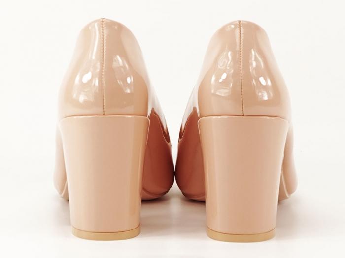 Pantofi bej dama de lac cu toc gros Iris 4