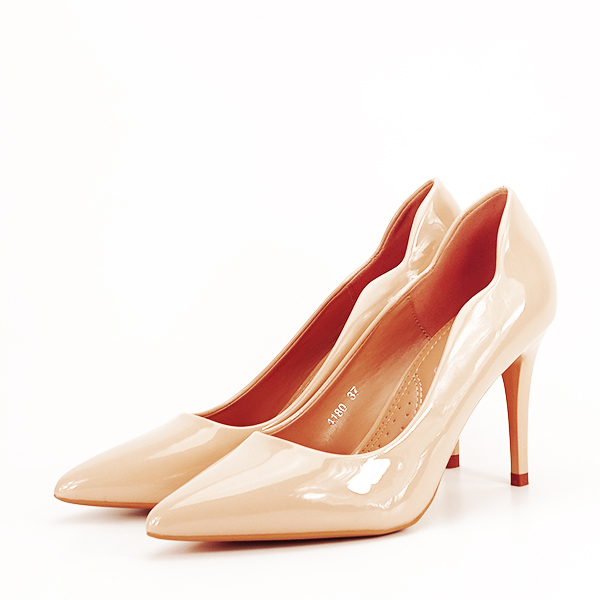 Pantofi bej lacuiti Tiffany [1]