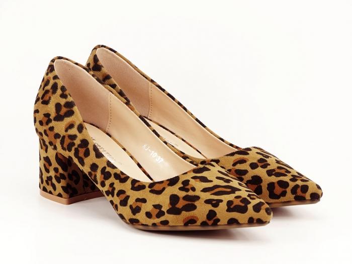 Pantofii dama print leopard cu toc mic si varf ascutit Cristina 2