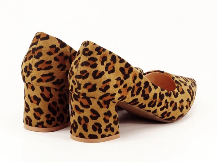 Pantofii dama print leopard cu toc mic si varf ascutit Cristina 5