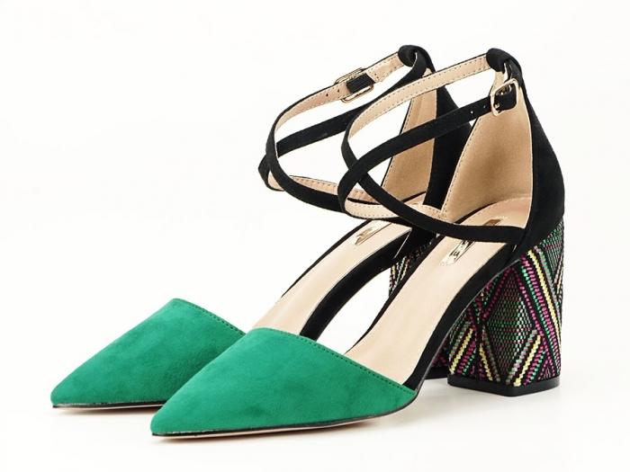 Pantofi decupati lateral cu toc mediu Etnica 6