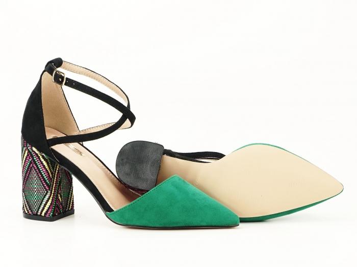 Pantofi decupati lateral cu toc mediu Etnica 5