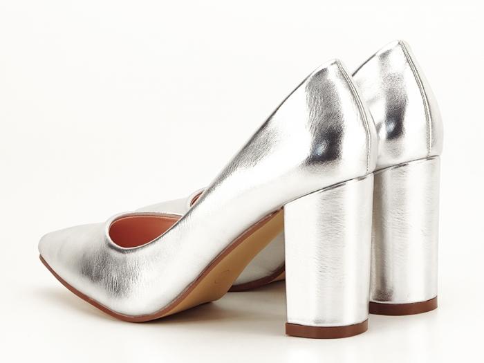 Pantofi eleganti argintii cu toc inalt si gros Ariana 1