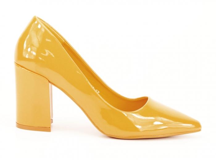 Pantofi galbeni de lac cu toc gros Iris 0