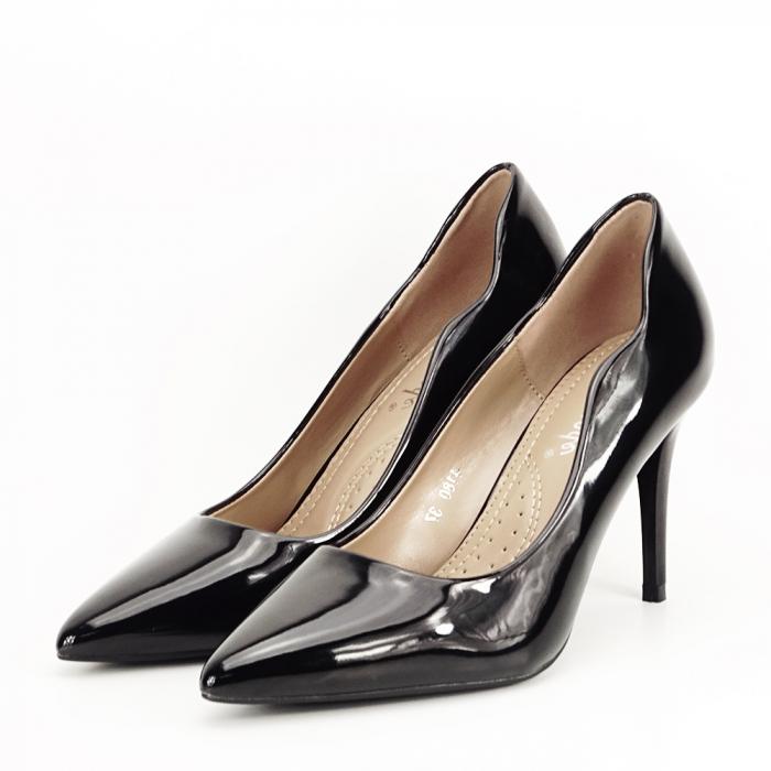Pantofi negri lacuiti Tiffany 1