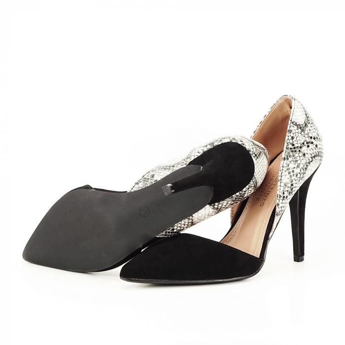 Pantofi negri decupati lateral Lori [2]