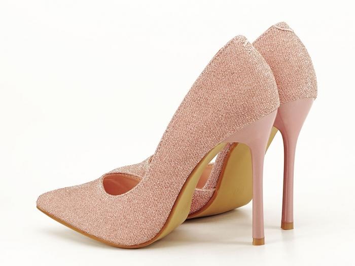 Pantofi roz decupati lateral Dream 7