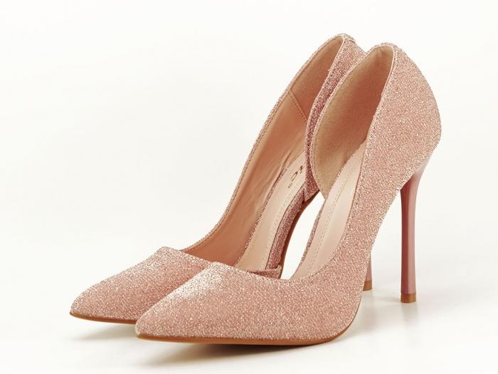 Pantofi roz decupati lateral Dream 0