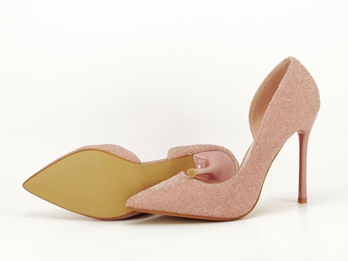 Pantofi roz decupati lateral Dream 8