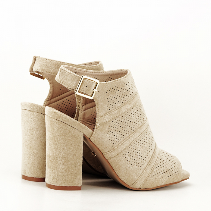 Sandale bej cu toc gros Gianina [2]