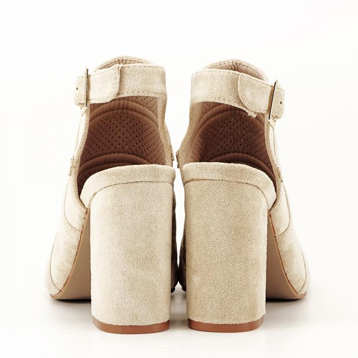 Sandale bej cu toc gros Gianina [5]